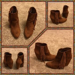 Brown Fringe Ankle Boots sz. 8.5